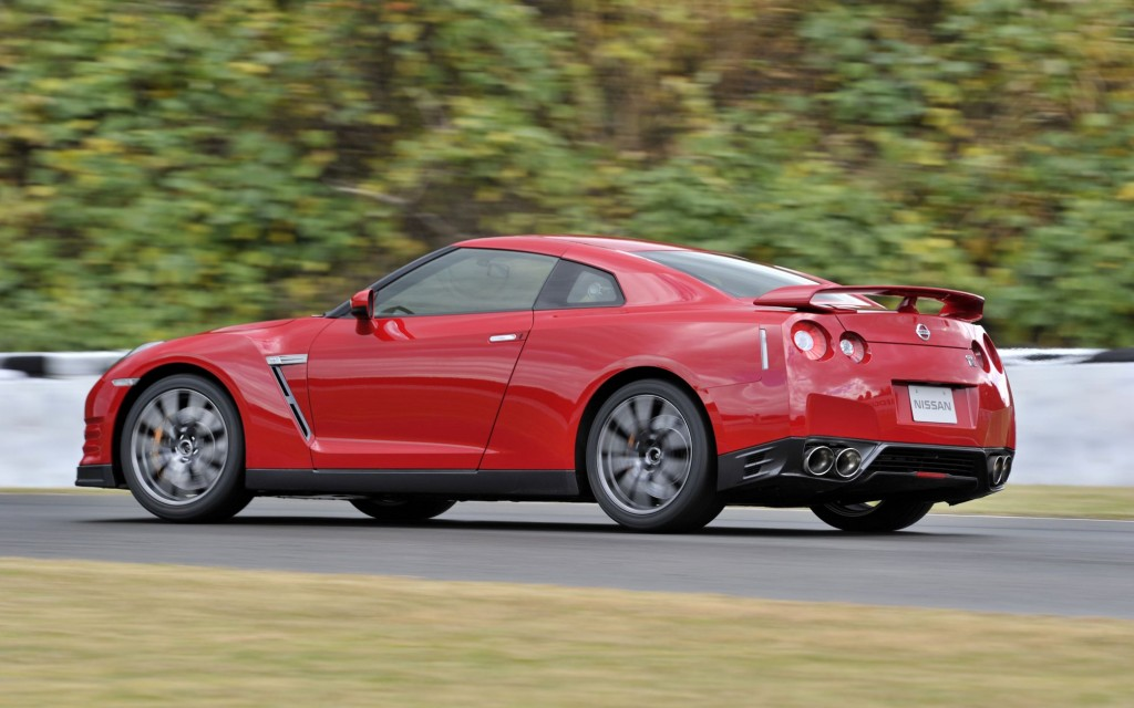 Civic D16 Turbo beats Nissan GTR Alpha 7