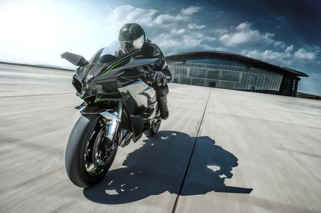 2015-Kawasaki-H2R 3