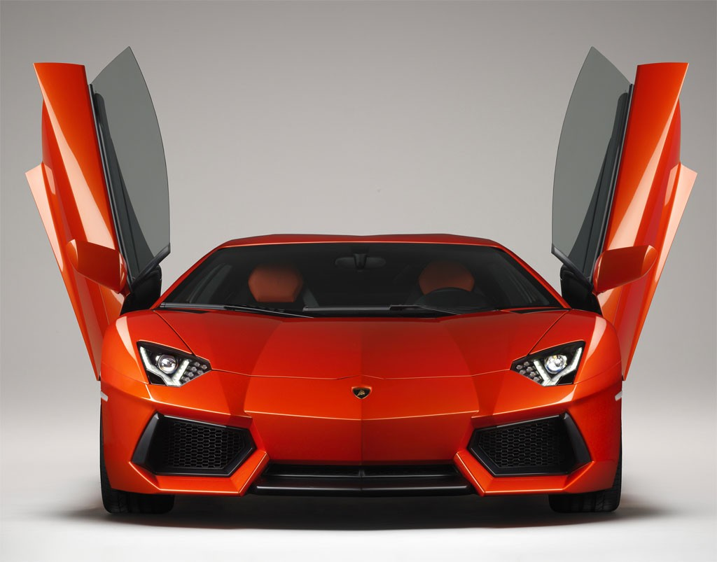 Lamborghini Aventador LP700-4 - 0 to 60 mph: 2.9 / 690 HP / Top Speed: 217 mph
